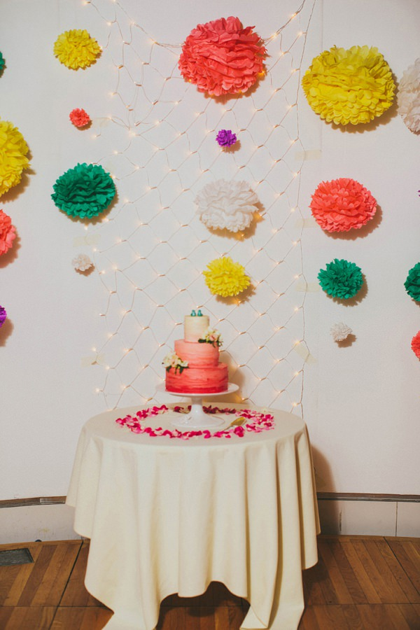ombre wedding cake http://www.mikiphotography.info/