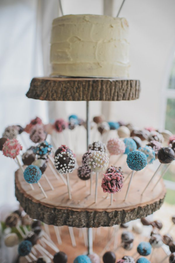 rustic wedding cake pops http://www.oacphotography.com/
