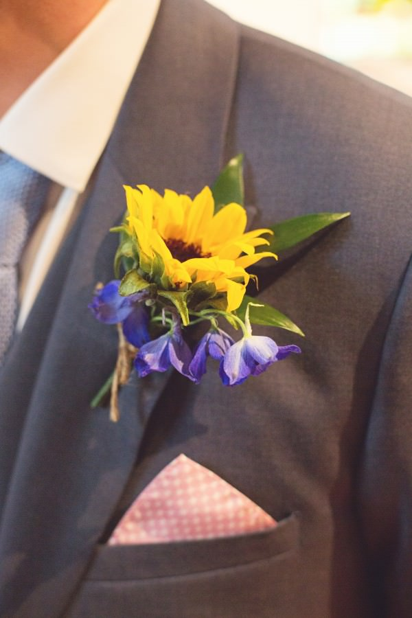 sunflower buttonhole home made pretty wedding http://www.juliaandyou.co.uk/