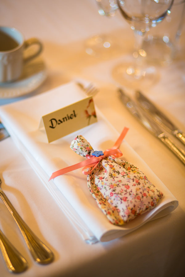 floral favour bags pretty country garden wedding http://www.dominicwhiten.co.uk/