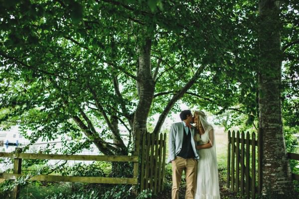 Rustic Patterns & Pastels Wedding http://campbellphotography.co.uk/