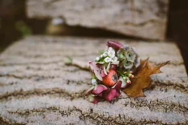 Autumn Buttohole Woodland Boho Wedding Ideas http://www.karenflowerphotography.com/
