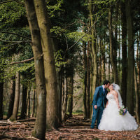 Pretty Romantic Countryside Wedding http://www.johnhopephotography.com/