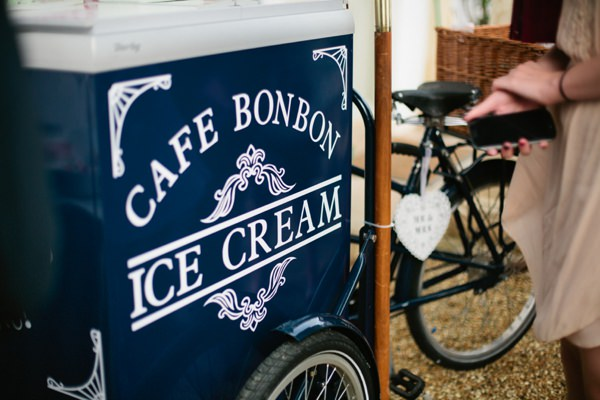 Stylish Country Fair Wedding Ice Cream http://www.lucyturnbull.co.uk/