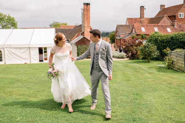 Relaxed Colourful Pretty Wedding http://www.daffodilwaves.co.uk/