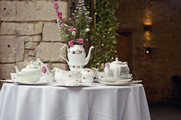 Cottage Garden Feel Cotswolds Wedding Crockery http://www.suekwiatkowska.com/