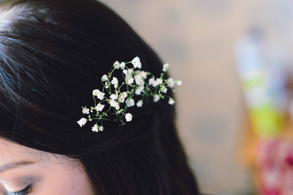 Bohemian Homespun Wedding Flowers Hair http://www.nickmurrayphotography.co.uk/