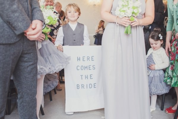 Wedding Sign Ideas http://www.cottoncandyweddings.co.uk/