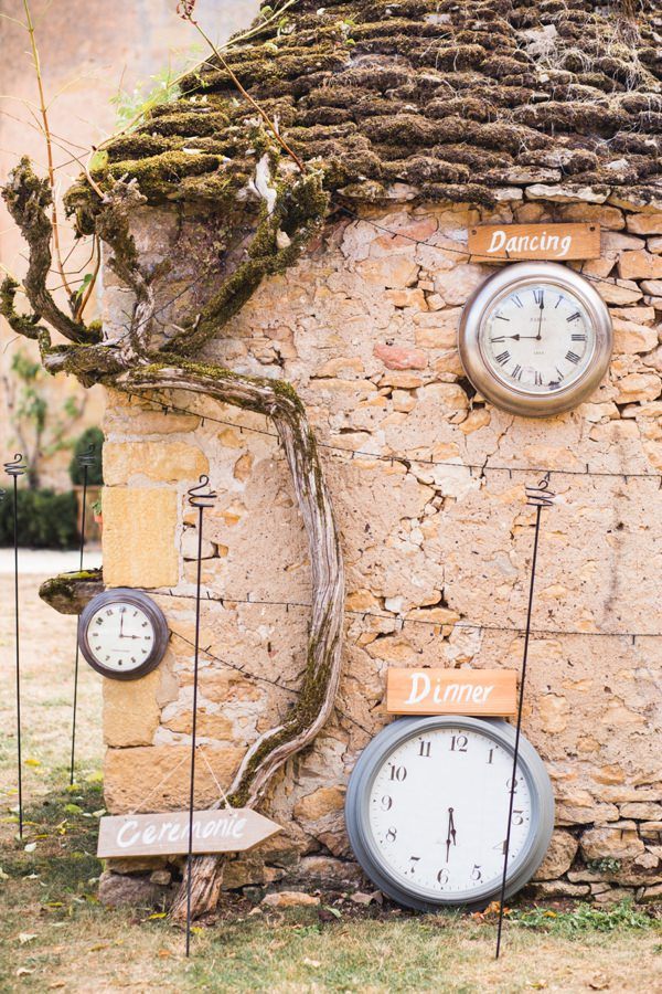 Clocks Wedding Sign http://www.mandjphotos.com/