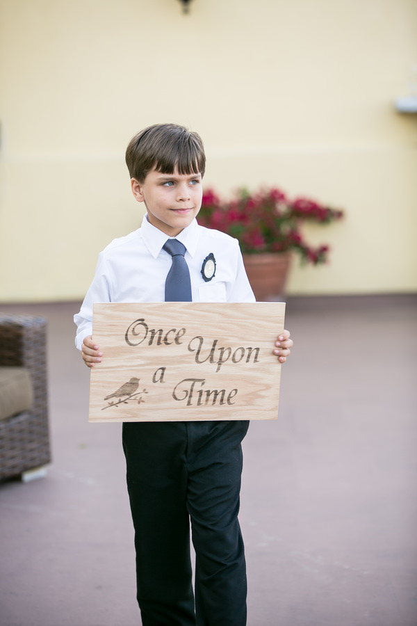 Wedding Pageboy Sign http://stephiejoy.com/