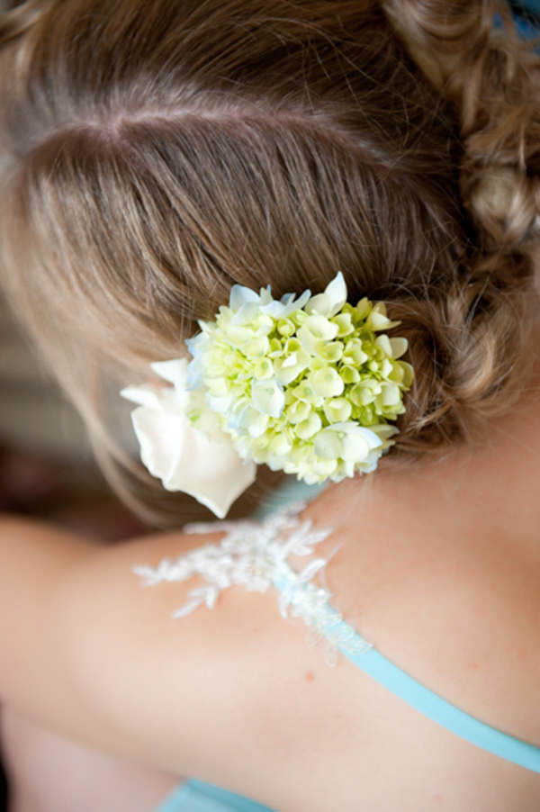 Elegant Art Deco Scottish Highlands Wedding Flowers Hair Bridesmaid http://www.brownsphoto.co.uk/