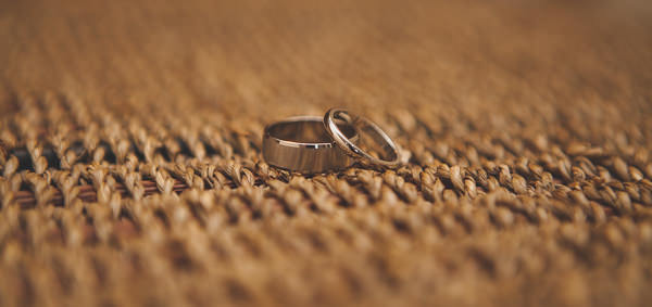 Relaxed Rustic Stylish Wedding Rings http://www.bloomweddings.co.uk/