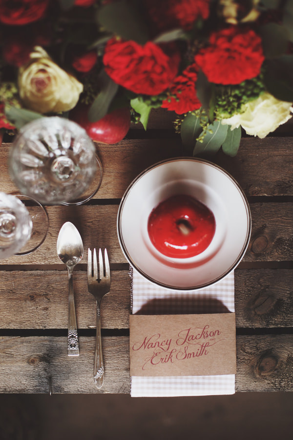 Fairy Treehouse Apple Wedding Ideas Calligraphy Place Setting Names http://paolacolleoni.com/