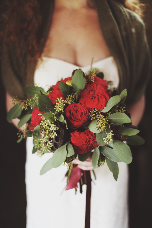 Fairy Treehouse Apple Wedding Ideas Red Green Bridal Bouquet http://paolacolleoni.com/