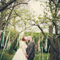 Vintage Garden Party Wedding http://helenrussellphotography.co.uk/