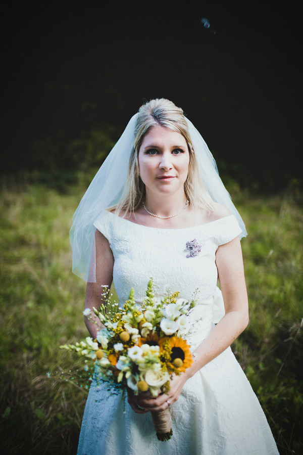 Eclectic Quirky Wedding Beehive Bride Hair Veil Style  http://www.claudiarosecarter.co.uk/