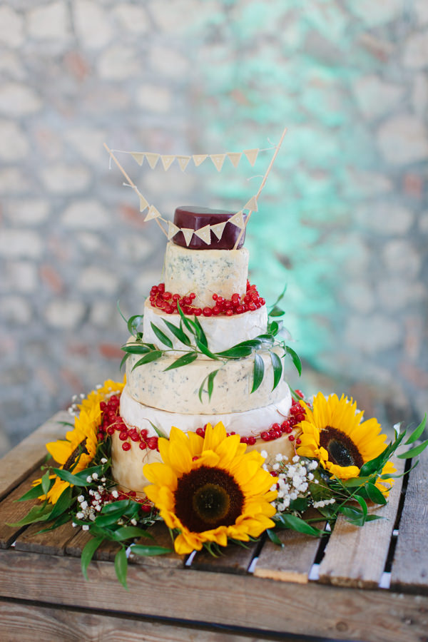 Natural Rustic Daisy Wedding Cheese Tower Stack Cake http://www.camillaarnholdphotography.com/