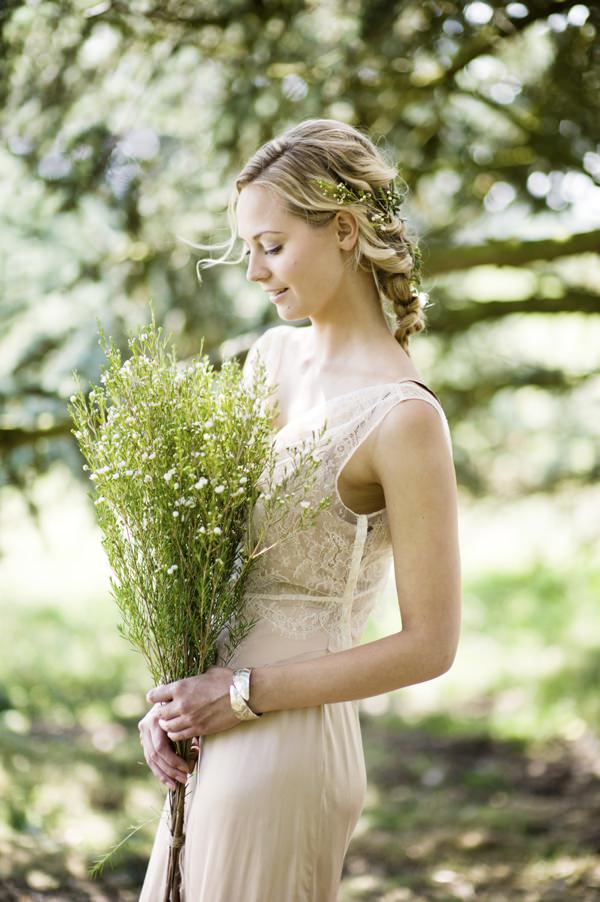 Beautiful Rustic Woodland Bridal Look. WWW Editorial.