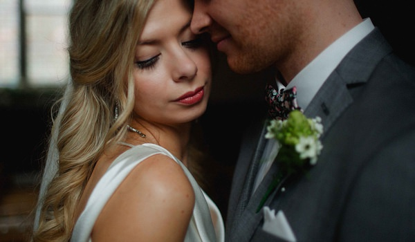 Stylish Relaxed Hertfordshire Wedding Wavy Tousled Hair Bride Long Style http://www.mikiphotography.info/