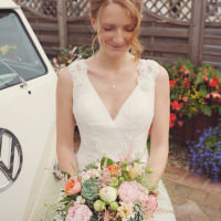 Relaxed Country Garden Pastel Wedding http://www.rebeccadouglas.co.uk/blog/