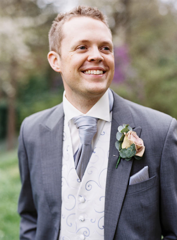 Pretty Relaxed Beautiful Traditional Wedding Groom http://www.victoriaphippsphotography.co.uk/