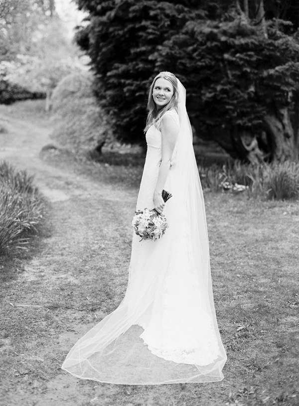 Pretty Relaxed Beautiful Traditional Wedding http://www.victoriaphippsphotography.co.uk/