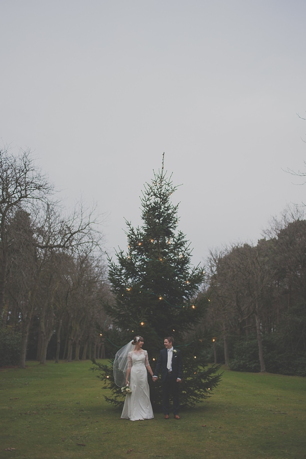 Cosy & Beautiful White & Gold Christmas Wedding