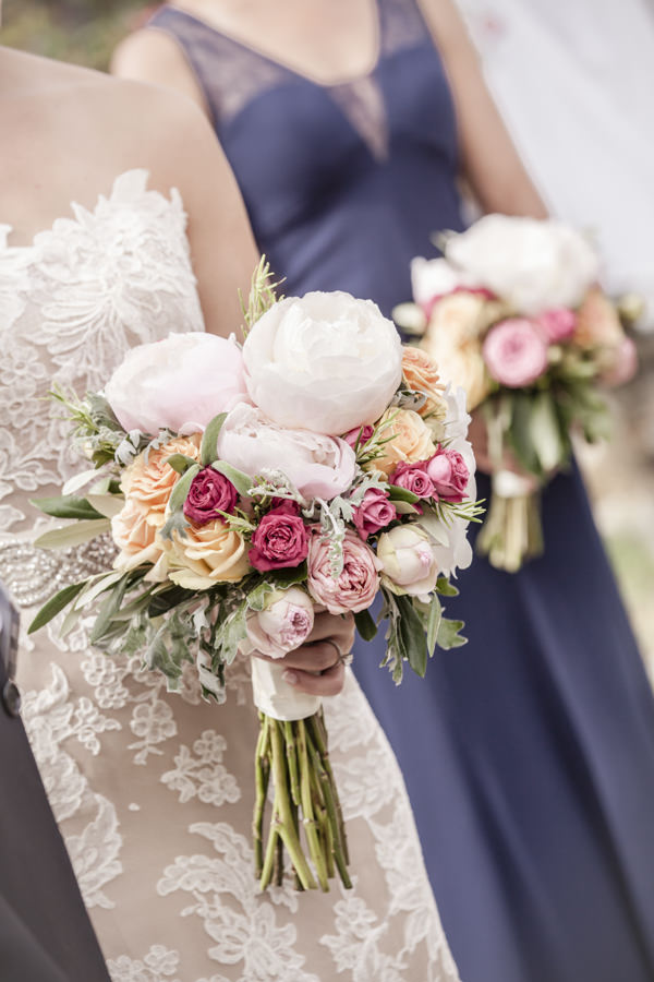 Tuscan Countryside Destination Wedding Peony Rose Pink Bridal Bouquet Flowers http://www.angelicabraccini.com/