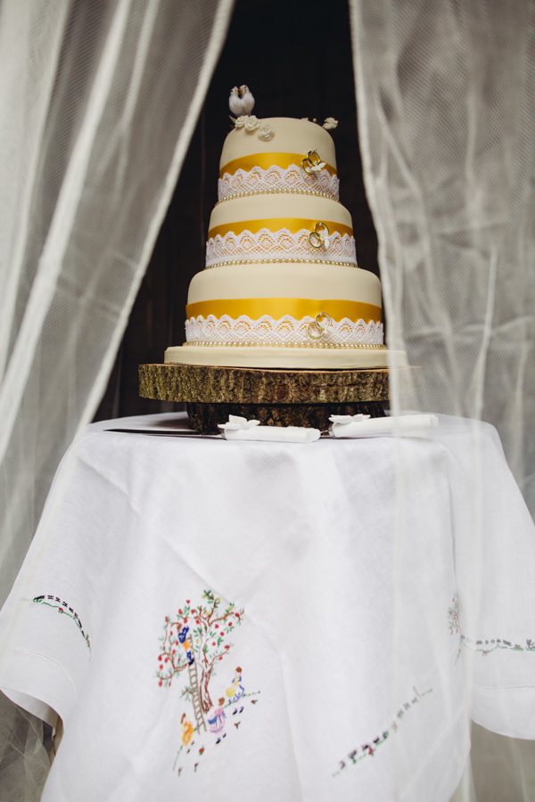 Creative Yellow 'Greys' Waterfall Woods Wedding Cake Log Stand Embriodered Table Cloth http://www.lucylittle.co.uk/
