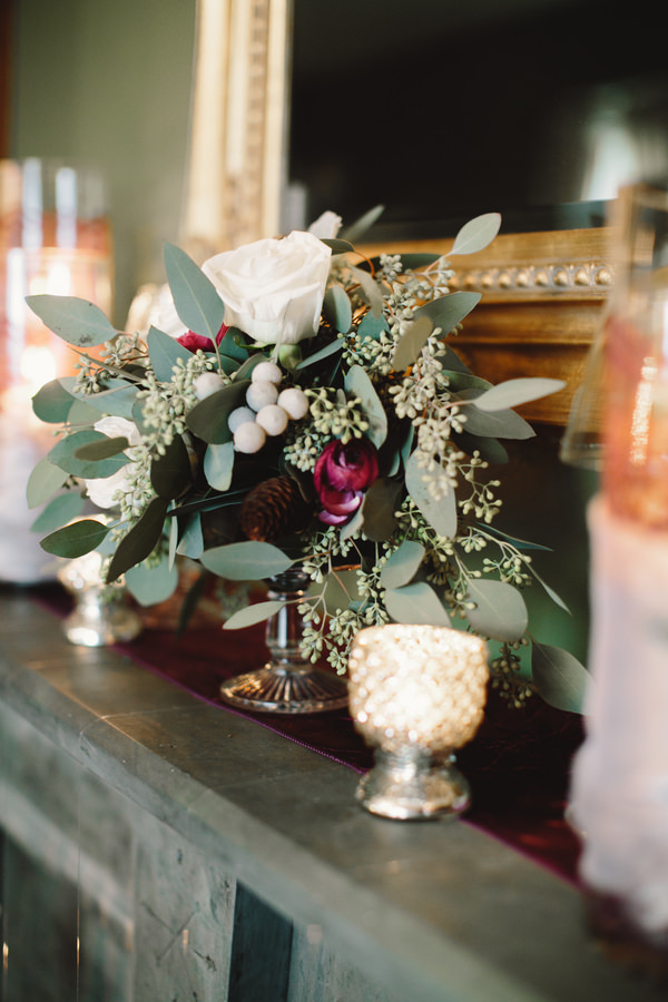 Cosy Woodsy House Wedding Ideas Cream Ivory Rise Burgundy Red Flowers Arragement http://www.jennifervanelk.com/