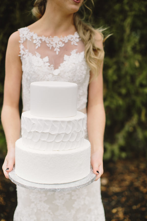 Cosy Woodsy House Wedding Ideas White Texture Tier Cake http://www.jennifervanelk.com/