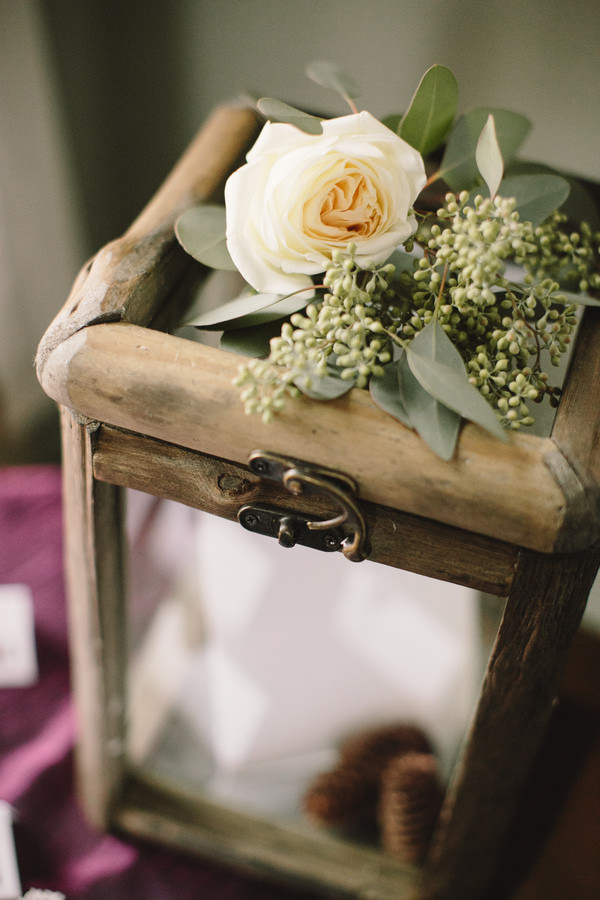 Cosy Woodsy House Wedding Ideas Guest Wishes Book Box http://www.jennifervanelk.com/