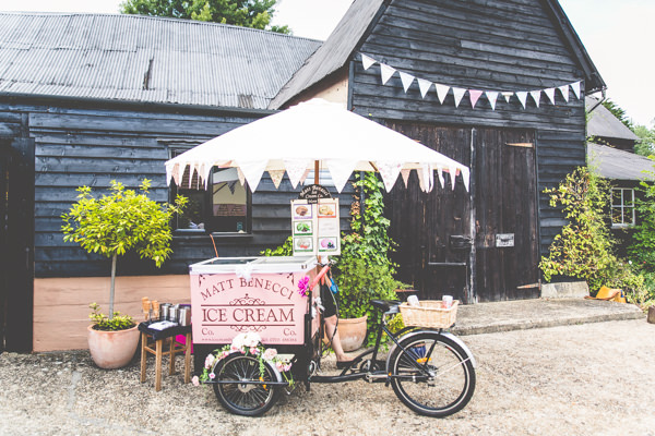 Quirky Summer Country Garden Wedding http://lovethatsmilephotography.com/