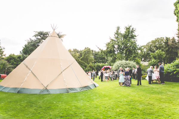 Vintage Tea Party Tipi Wedding  http://lovethatsmilephotography.com/