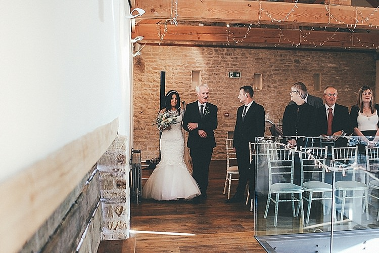 Whimsical Green White Fairy Lights Winter Wedding http://jesspetrie.com/