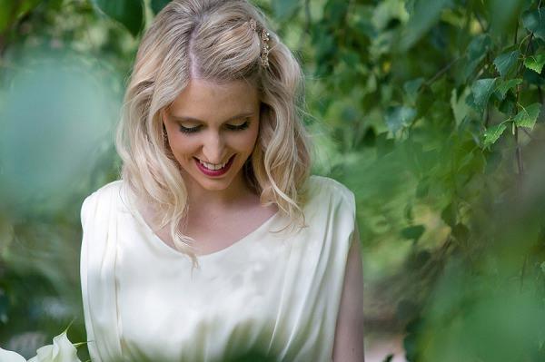 Blonde Mid Length Curls Hair Bride Waves Style Stylish Modern Monochrome Village Hall Wedding http://www.sarareeve.com/