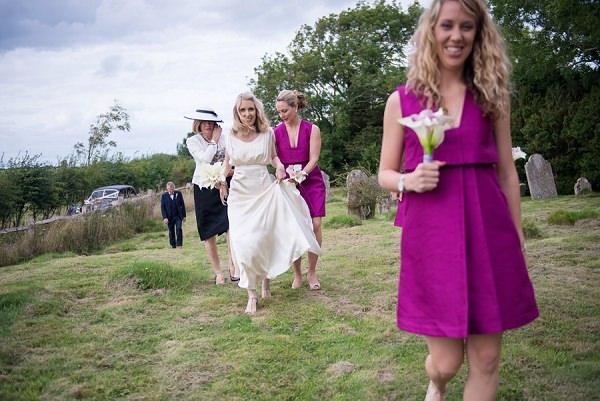 Stylish Modern Monochrome Village Hall Wedding http://www.sarareeve.com/