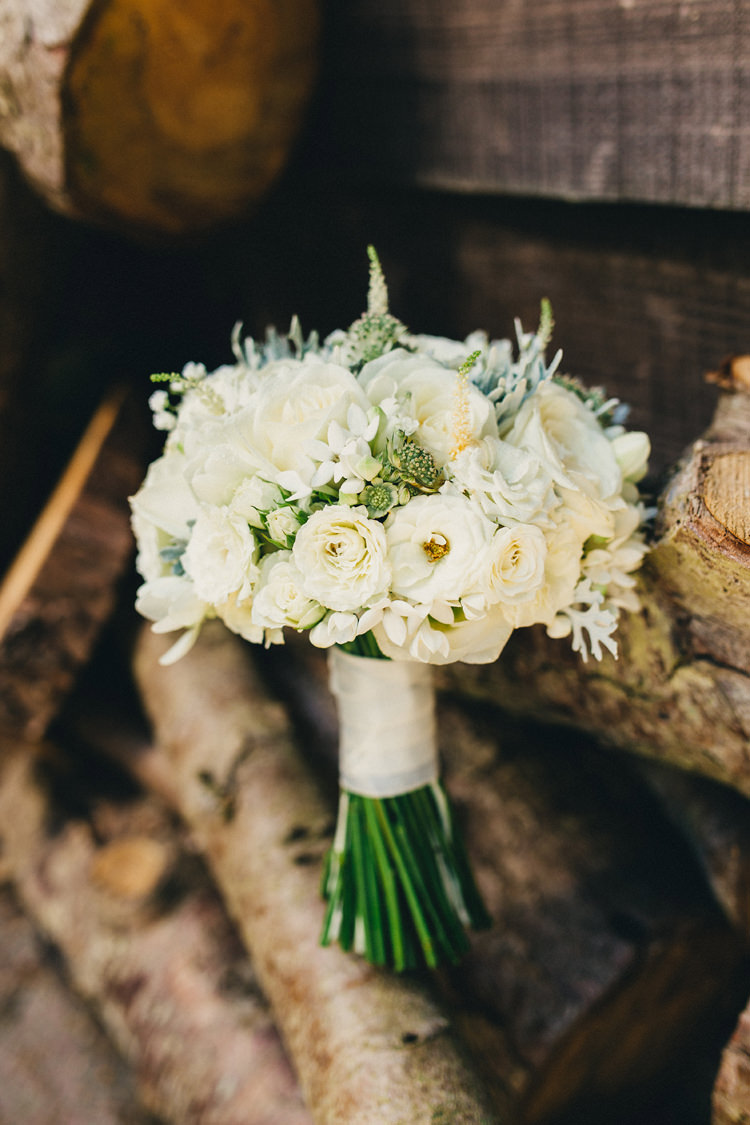 White Cream Ivory Bouquet Flowers Bride Bridal Roses Stylish Rural Relaxed Bohemian Wedding http://peppermintlovephotography.com/