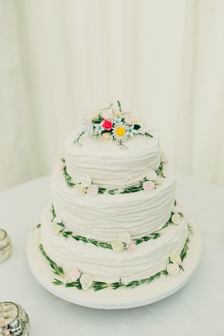 Rustic Floral FLower Whimsical White Cake Stylish Rural Relaxed Bohemian Wedding http://peppermintlovephotography.com/