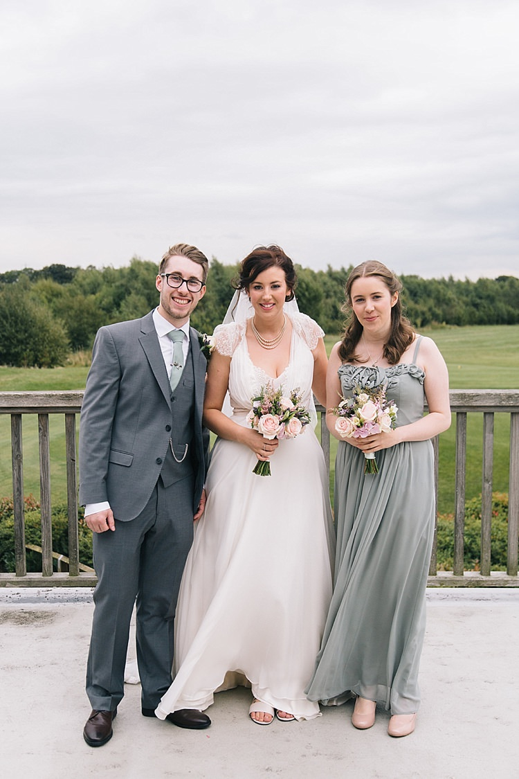 Soft Whimsical Natural Rustic Wedding http://emilyhannah.com/