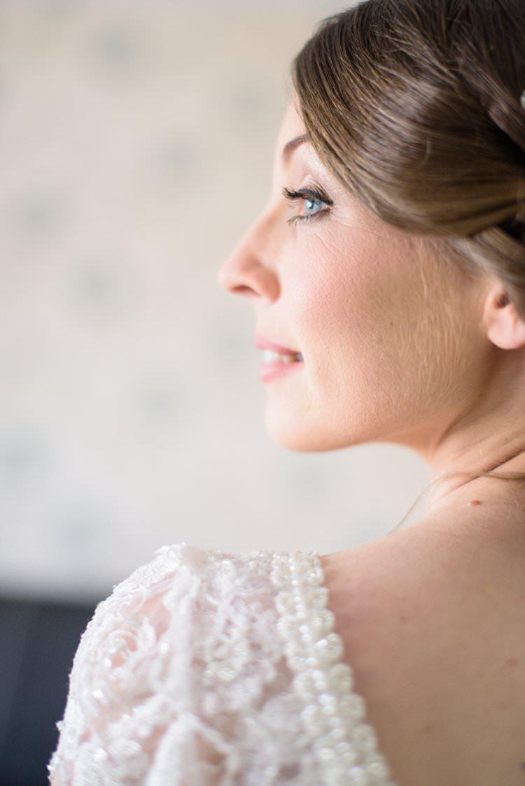 Natural Pretty Bridal Make Up Classic 1920s Gatsby Wedding Newland Hall http://www.fayecornhillphotography.co.uk/