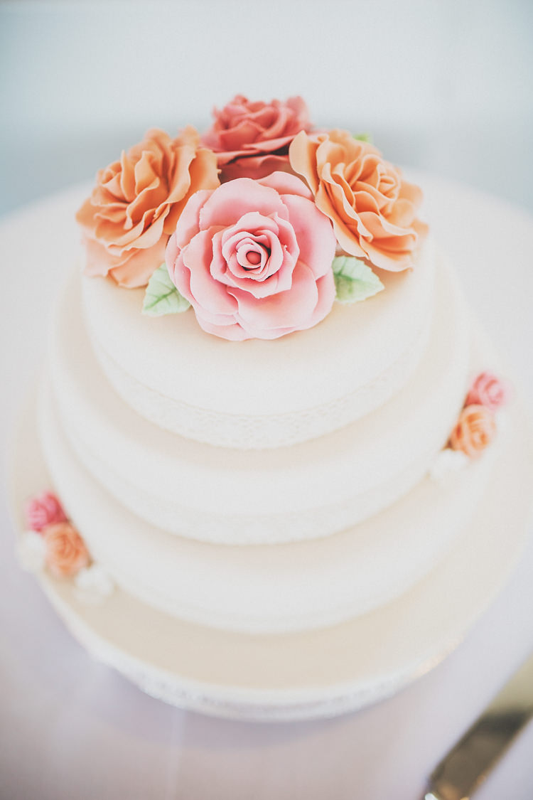 Flower Floral Cake Pretty Spring Country Rustic Wedding Northamptonshire Racecourse http://www.frankee-victoria.co.uk/