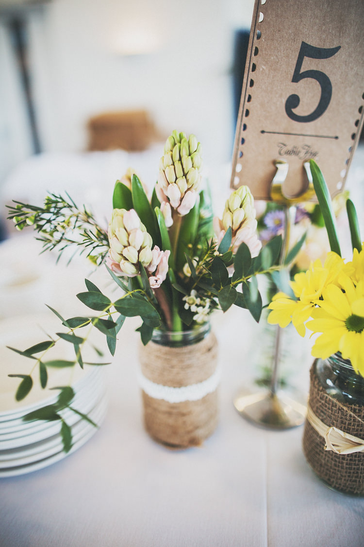 Bulbs Flowers Jars Hessian Pretty Spring Country Rustic Wedding Northamptonshire Racecourse http://www.frankee-victoria.co.uk/