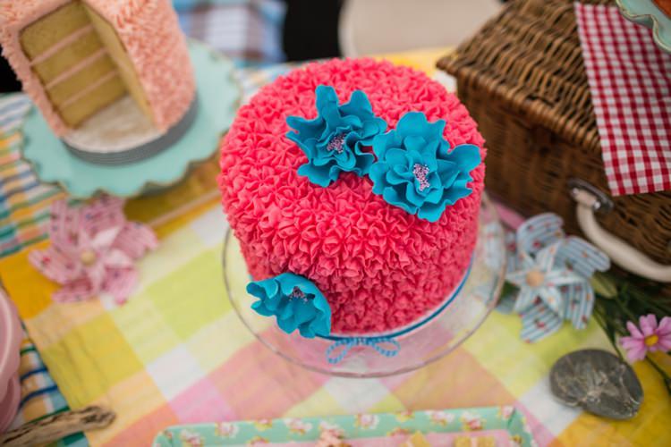 Pink Buttercream Cake MinkieMoo Bakery Tie The Knot Wedding Carnival Hertfordshire Fair Event http://www.binkynixon.com/