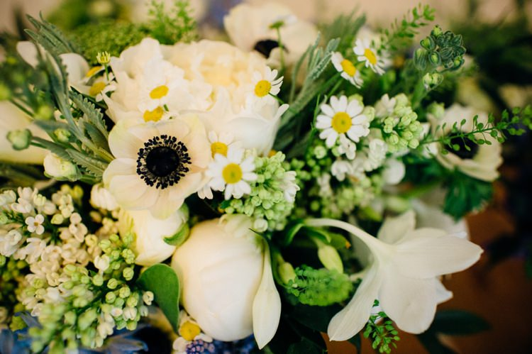 White Flowers Bouquet Daisies Bridal Relaxed London Vintage Spring Wedding http://www.mariannechua.com/