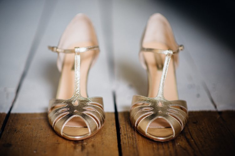 Rachel Simpson Gold Shoes Bride Relaxed London Vintage Spring Wedding http://www.mariannechua.com/