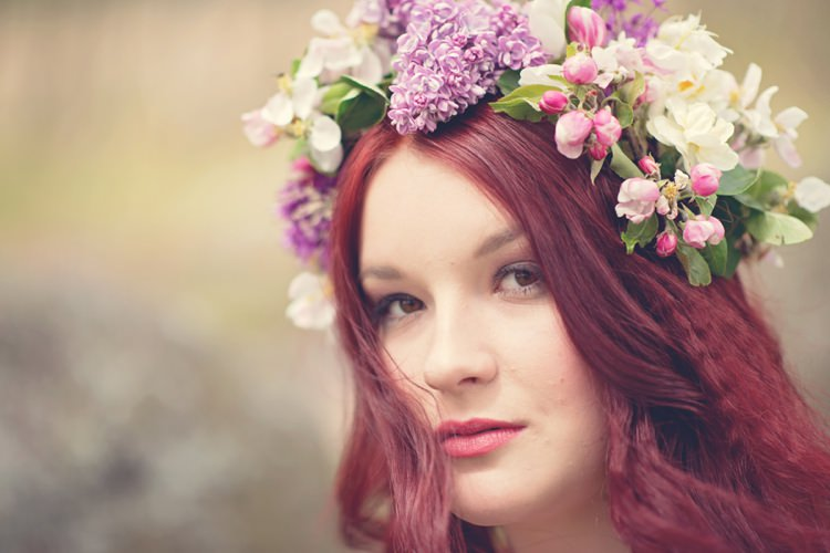 Pink Lilac Flower Crown Bride Bridal Halo Garland Beautiful British Flower Peak District Moors Wedding Ideas http://www.sarahbrabbin.co.uk/