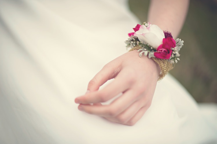 Wrist Corsage Bride Bridal Beautiful British Flower Peak District Moors Wedding Ideas http://www.sarahbrabbin.co.uk/