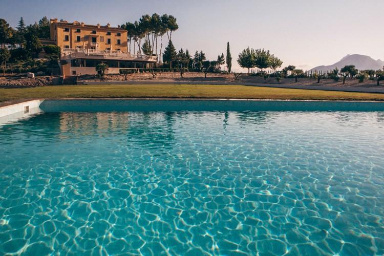 Honeymoon Guide 2015 Ideas Advice La Escondida_ Spain_ Mr & Mrs Smith (3)