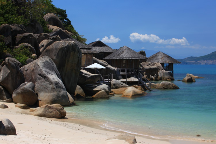 Honeymoon Guide 2015 Ideas Advice Six Senses Ninh Van Bay_ Vietnam_ Mr & Mrs Smith (3)